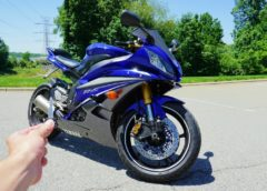 2007 Yamaha R6: Exhaust, Walkaround, Test Ride and Review